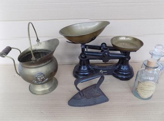 Assortment of collectables incl. kitchen scales, cast iron, brass scuttle, glass bottles etc.