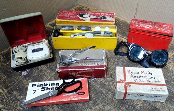 Vintage collectable items - 6 boxes