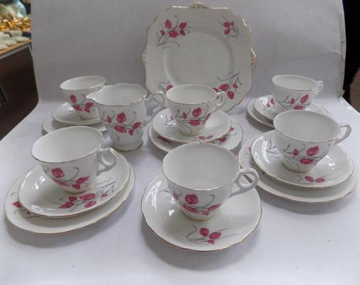 Royal Stafford 'Beech' pattern ceramics with 5 trios