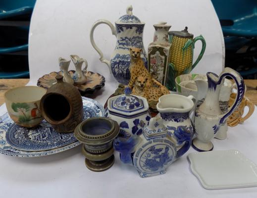 Box of mixed collectable ceramics
