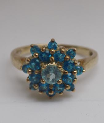 9ct gold blue topaz cluster ring - size O