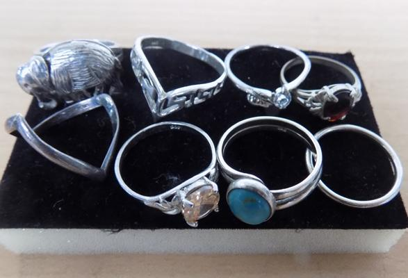 8x rings mostly silver incl. silver elephant ring