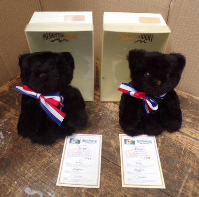 Pair of Merry Thought 'Hope' teddies, in box with certificates