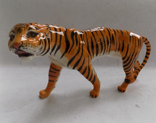 Vintage ceramic Beswick tigress-approx 8.5 inches long