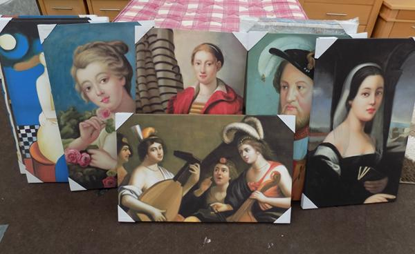 11 canvas pictures, incl. Tudor style