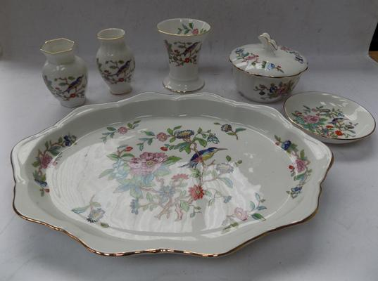 Selection of Aynsley Pembroke (6 pieces)