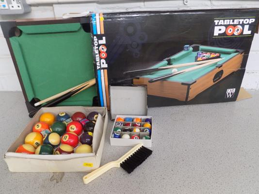 Table top pool with set of pool balls (complete), unused