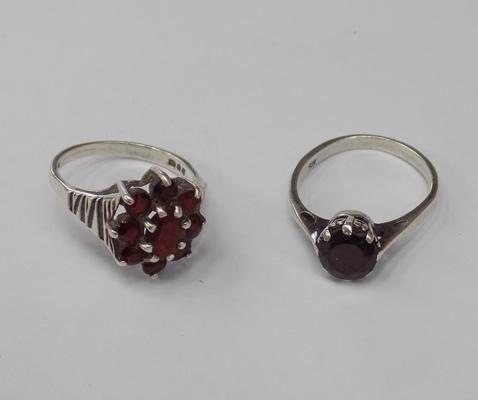 2 vintage silver rings with set stones
