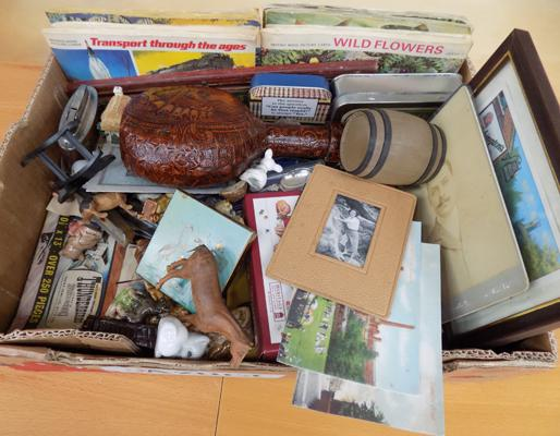Box of vintage mixed collectables