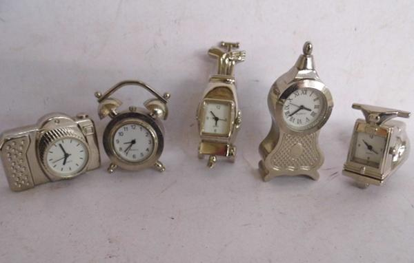5 miniature chrome novelty quartz mantle clocks