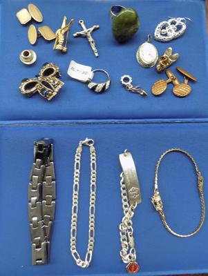 Selection of jewellery incl. silver ring, silver bracelet etc.