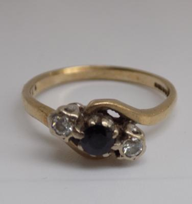 9ct gold diamond and sapphire trilogy ring - size L 1/2