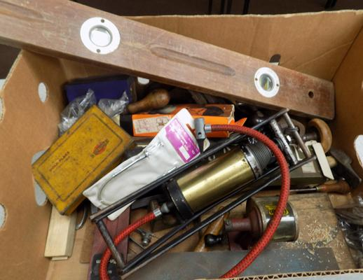 Box of vintage tools incl. spirit level