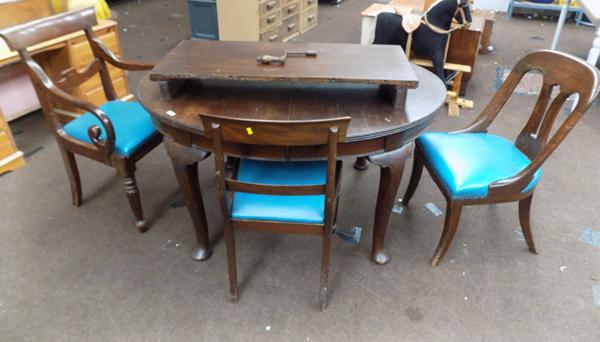 Extending table & 3 chairs