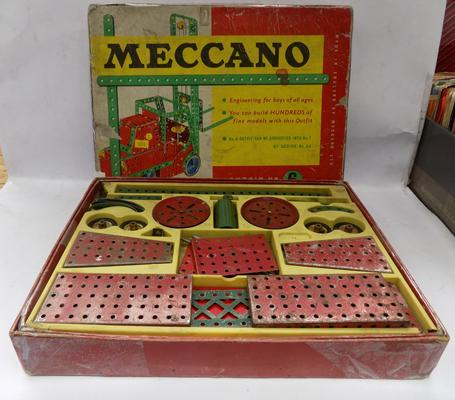No. 6 boxed set meccano 1950's 2 layers full of red and green meccano