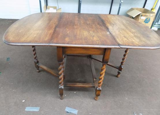 Drop leaf, barley twist leg table