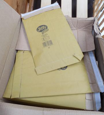 100 size 3, Jiffy mailing envelopes