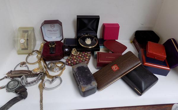 Job lot of watches/parts + jewellery boxes