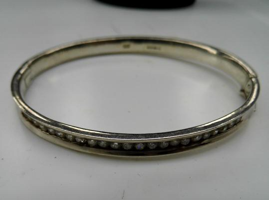 Fully hallmarked half eternity silver bangle