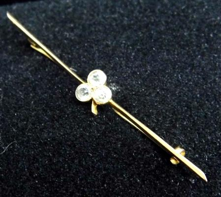 9ct gold aquamarine bar brooch
