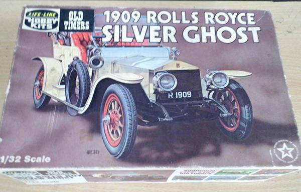 Vintage hobby kits, 1909 Rolls Royce Silver Ghost, model 1/32 scale, complete with box & instructions