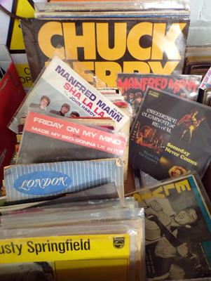 Box of 1960's records, incl. The Who, Manfred Mann, Chuck Berry, Elvis, Troggs, Doors etc...