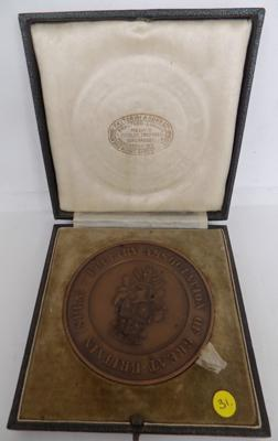 Large cased bronze 'Distinguished  Poultry Association' medal