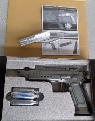 .77 air pistol (fires steelballs) with CO2 gas canisters + sight,  in box - W/O