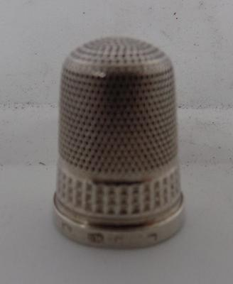 Large Charles Horner sterling silver No4 thimble