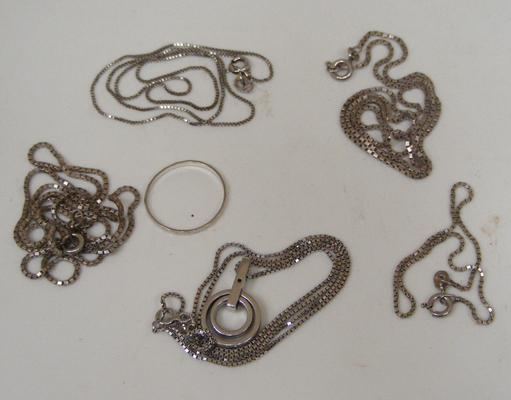 Selection of hallmarked jewellery