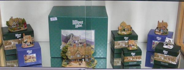 Selection of Lilliput Lane houses, all boxed with certificates