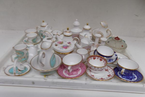 Collection of Spode (blue & gold, pink, cream & gold)