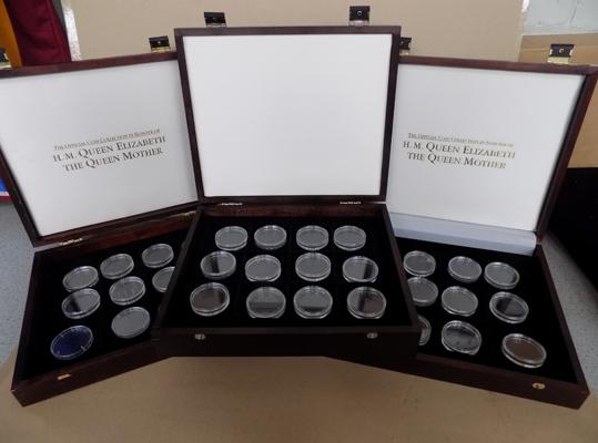 3x Collectors coin boxes with capsoles