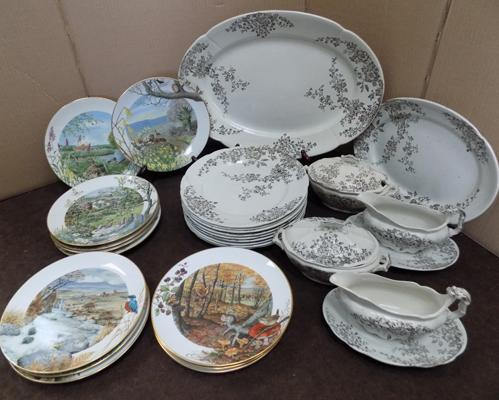 Selection of Royal Worcester decorative plates x 12 plus dinner plates, platter, gravy boat (Ascot)