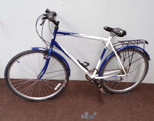 Freespirit 15 speed road bike with luggage rack