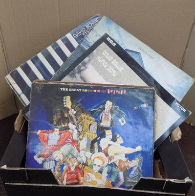 Box of LPs, incl. Bowie, The Who, Pink Floyd, Sex Pistols, Bob Dylan