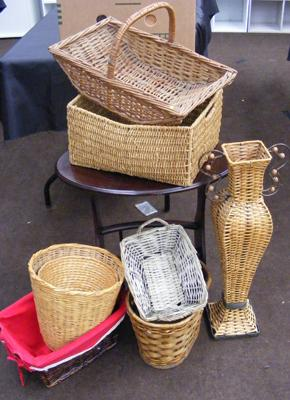 Selection of wicker baskets etc...