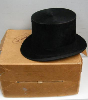 Dunn & Co vintage top hat & box