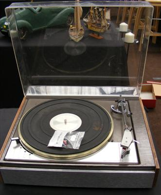 Lenco Leak turntable