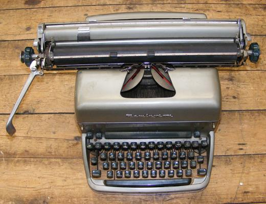 Remington SPP2 - 51569 typewriter, circa 1950's -Quiet Writer'
