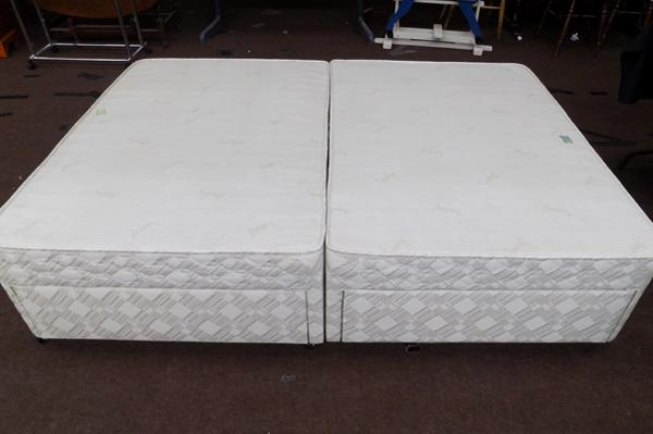 Double divan bed base