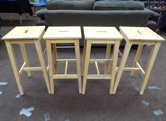4 wooden breakfast bar stools