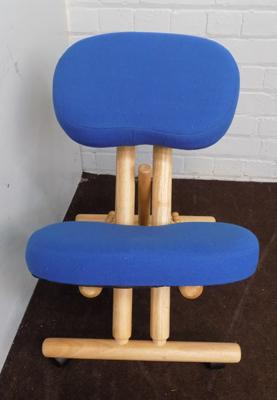 Orthopedic padded chair