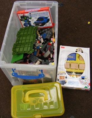Box of Megabloks & other children's toys