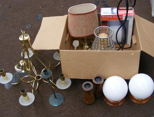 Box of mixed light fittings etc...