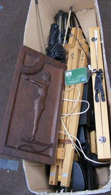 Mixed box incl. easels & carving