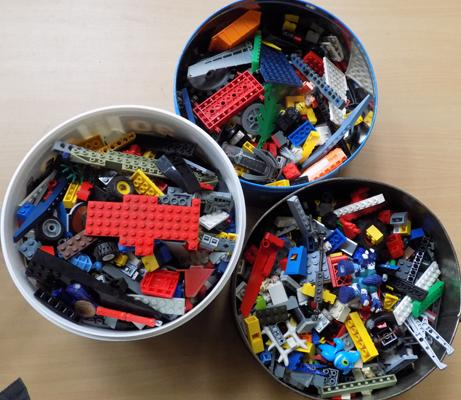 Collection of vintage 1960's Lego, approx. 5kg in weight