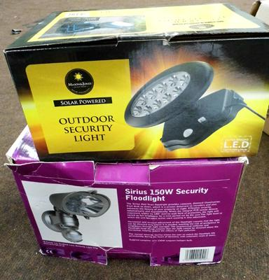 2 x outdoor security lights