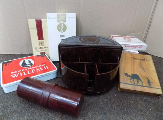Assortment of tobacconist items, incl. Bakelite display case