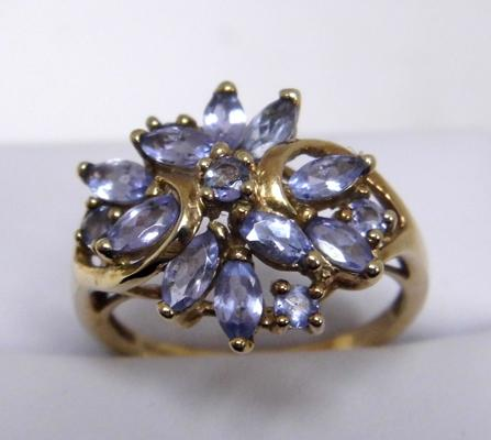 9ct gold tanzanite cluster ring size O 1/2